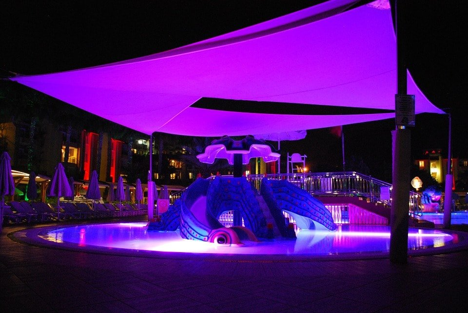 piscina-led-exterior
