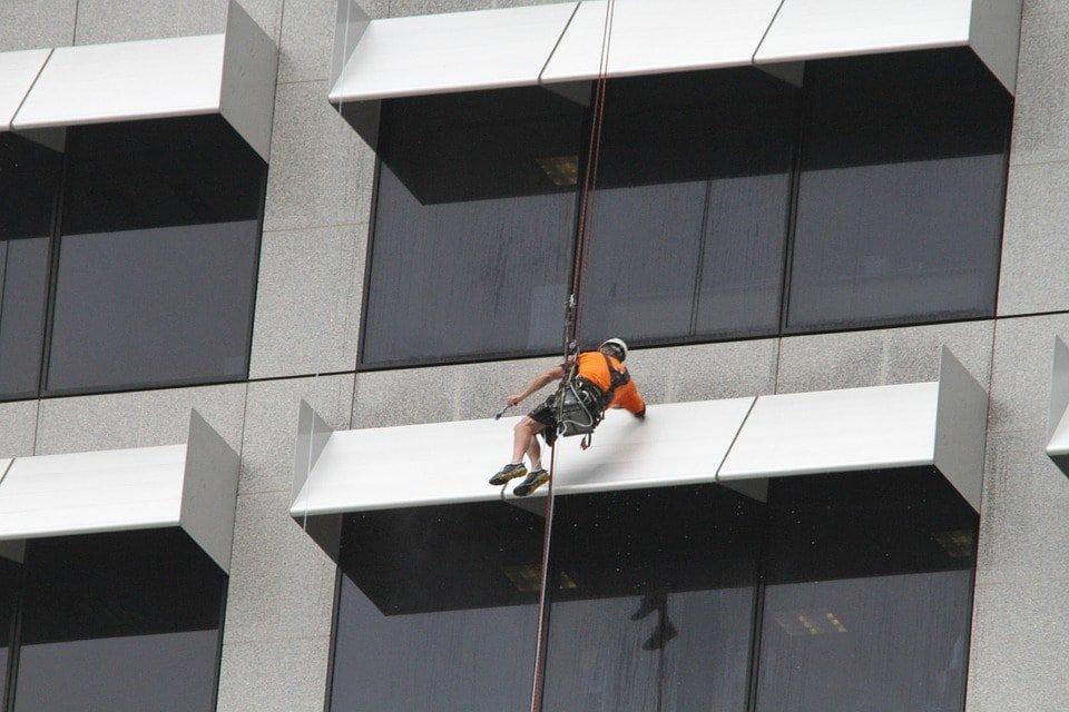 limpiacristales-trabajos-verticales