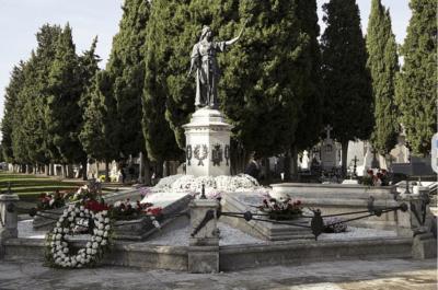 La arquitectura funeraria reviste gran belleza y vistosidad