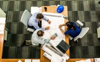 ¿Cuál es la mejor manera de gestionar un proyecto de ingeniería y arquitectura?